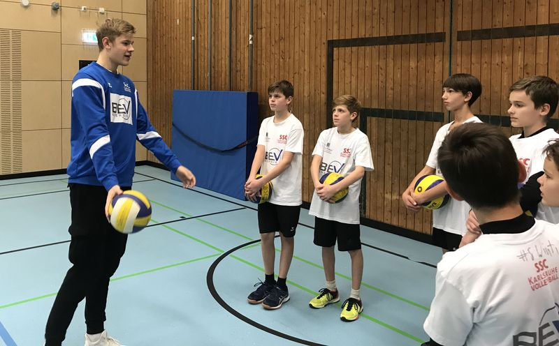 Jugendnationalspieler Simon Gallas bei unserer u16m