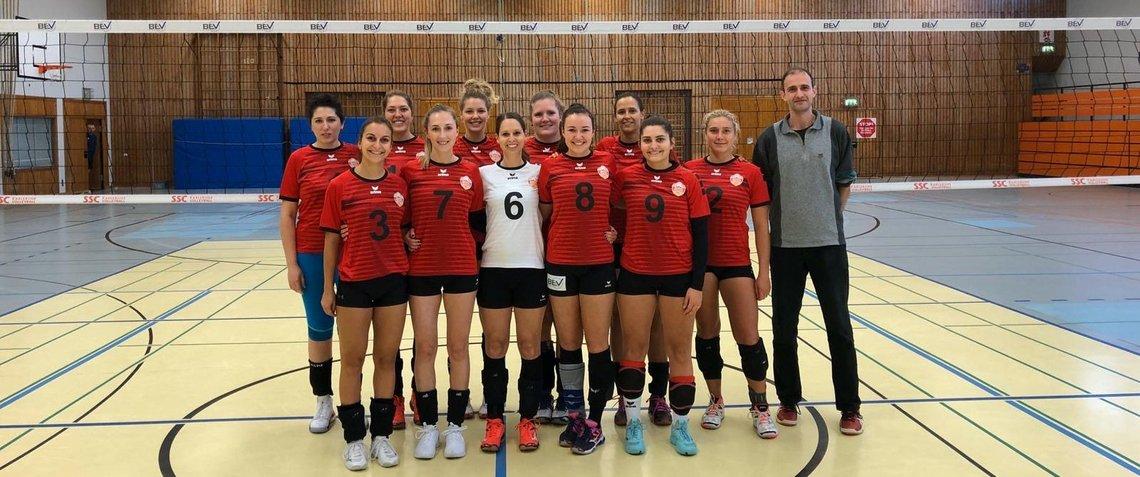 rote trikots teamfoto